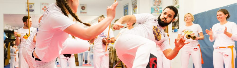 Capoeira und Brazilian Jiu-Jitsu (BJJ) Kampfkunstschule